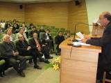En la actividad, realizada en el remozado Auditorio de Medicina, estaban presentes el Gran Canciller, Monseñor Ricardo Ezzati, el Arzobispo Emérito de Concepción, Monseñor Antonio Moreno,  y autoridades universitarias.