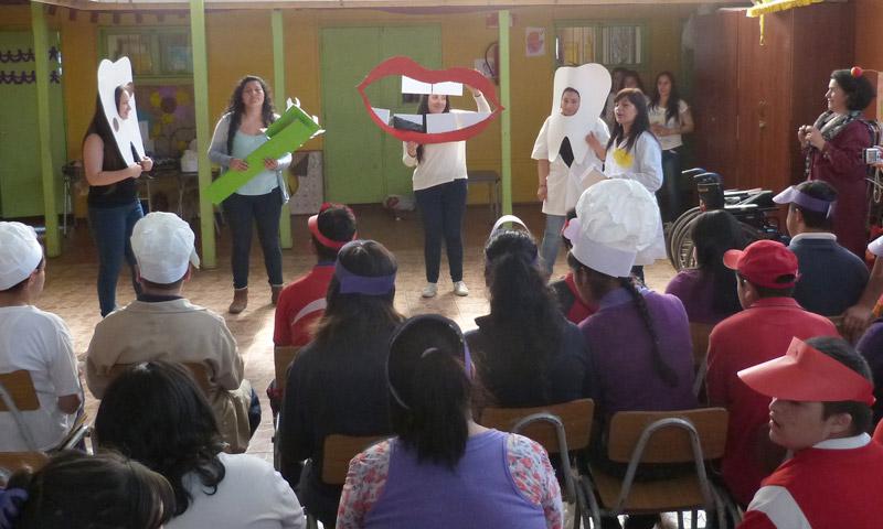 Estudiantes De Ed Diferencial Llevaron Juegos Recreativos A Escuela