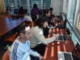 Los estudiantes disponen de 11 computadores y asesoría para áreas de escritura académica y matemática.