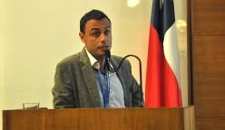 """En el inicio de las jornadas, el académico UCSC Francecs Ferraro expuso el tema """"Uso de sensores remotos en la ingeniería de subsuelo""""."""