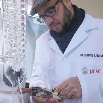 Investigador transforma un compuesto tóxico para su uso ecológico