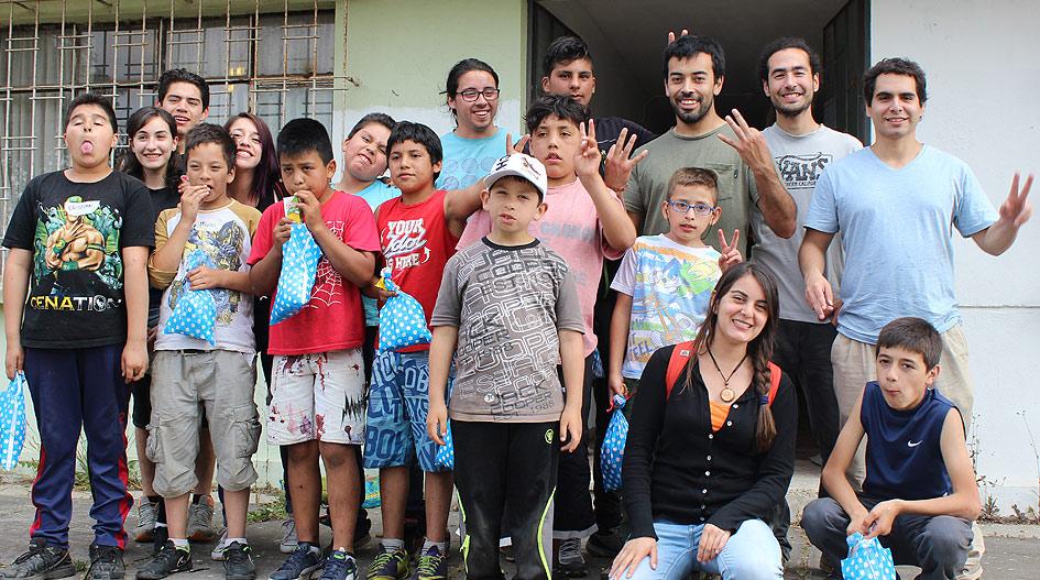 Aporte social: Cato Verde y Pastoral visitaron Hogar Carlos Macera de Talcahuano