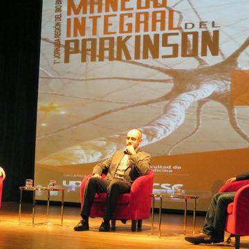 Manejo integral del Parkinson: UCSC efectuó jornada interdisciplinaria para abordar esta enfermedad
