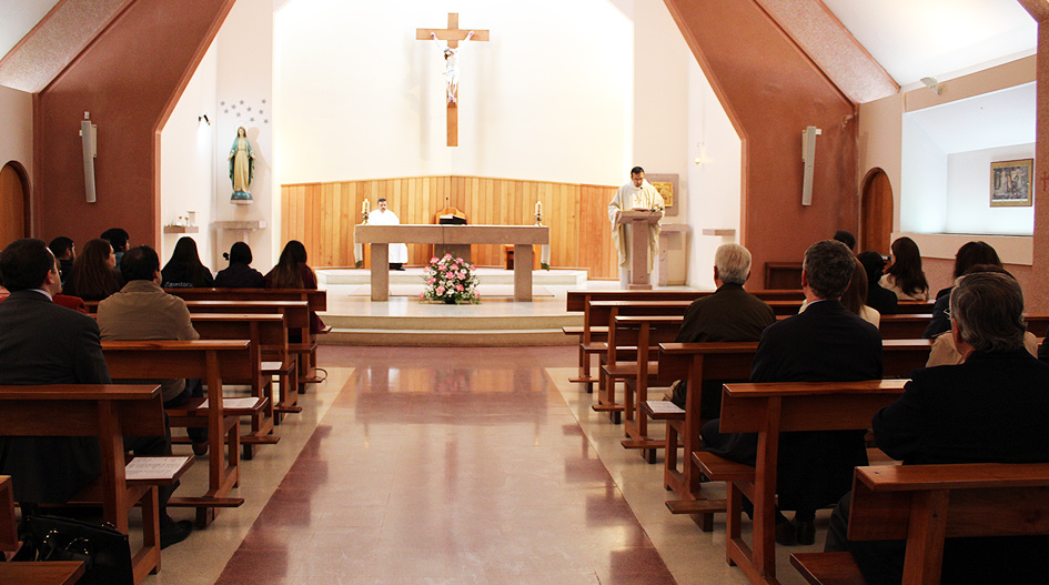 Homilía de Jueves Santo en la UCSC conmemoró instauración del sacramento de la eucaristía
