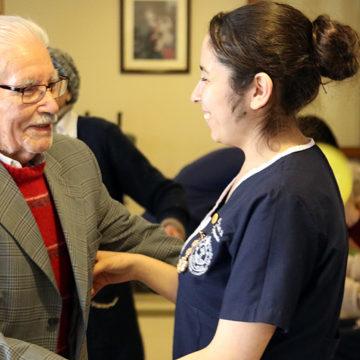Indicaciones para evitar contagio de Covid-19 en establecimientos de adultos mayores