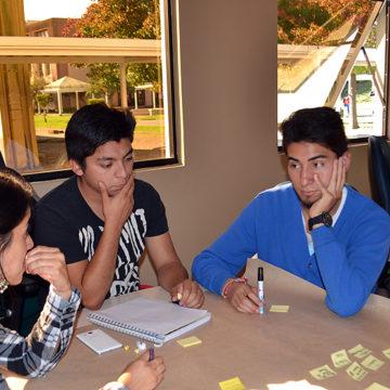 Estudiantes demuestran sus habilidades en taller de emprendimiento