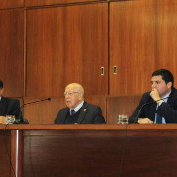 Estudiantes de Derecho adquieren conocimientos sobre Corte Penal Internacional