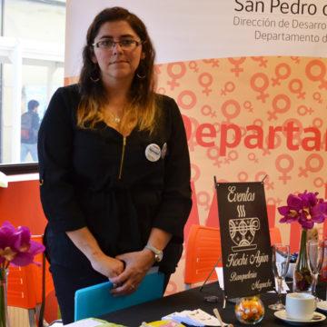 """Exposición """"Mujer Itinerante"""" mostró productos de emprendedoras de San Pedro de la Paz"""