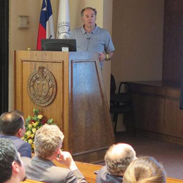 """Proyecto """"Reguemos Chile"""" se presentó en el cierre de los 25 años de FACEA"""