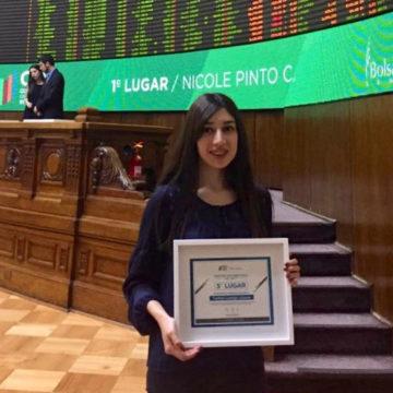 Estudiante de FACEA fue destacada en concurso de la Bolsa de Comercio de Santiago