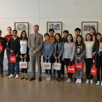 UCSC da bienvenida a estudiantes extranjeros