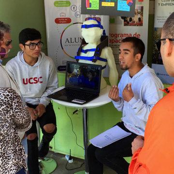 UCSC muestra unidades y programas de emprendimiento en FIIS