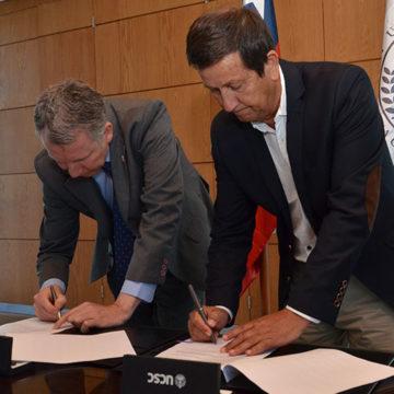 UCSC y Pesquera Landes establecen convenio para trabajo conjunto