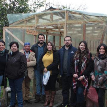 Estudiantes de la UCSC construyen invernadero en beneficio de personas en situación de calle
