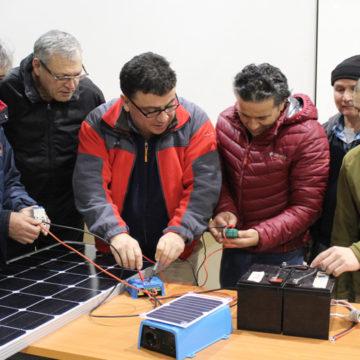 OTEC entrega capacitación en mantención y montaje de paneles solares