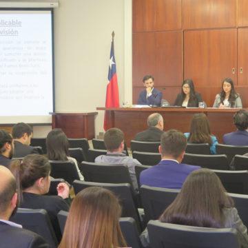 Universitarios se reúnen en torno al Derecho Civil