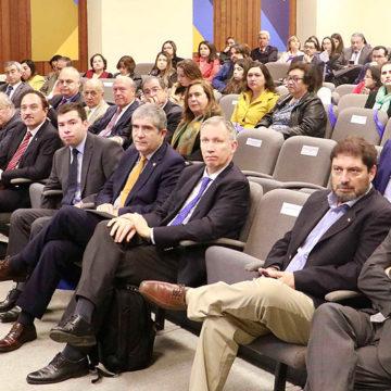 UCSC estuvo presente en seminario AUR sobre relación asistencial y docente en salud