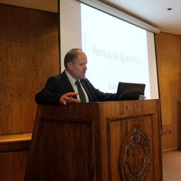 """Presentan libro """"Water Policy in Chile"""" en FACEA UCSC"""