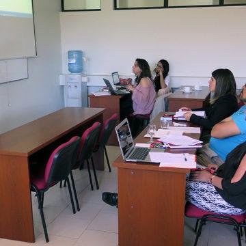 Académicos y administrativos actualizan conocimientos sobre proceso de acreditación