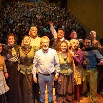 """""""Teatro en Verano"""" atrae numeroso y entusiasta público a la UCSC"""