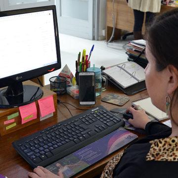 Nuevos docentes reciben inducción online sobre sello UCSC y recursos pedagógicos disponibles
