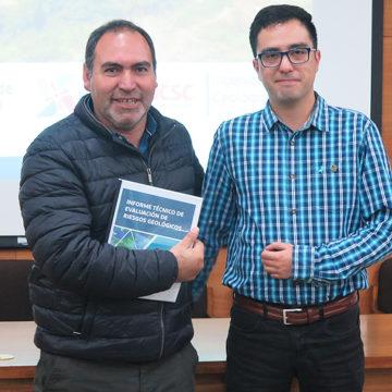 Vecinos de Cocholgüe recibieron Informe de Riesgos Geológicos elaborado por estudiantes