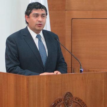 Calentamiento global y el rol de Chile fue explicado por ministro del segundo Tribunal Ambiental