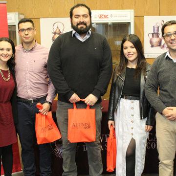 Red Alumni UCSC compartió documental «La Sala Enseña»