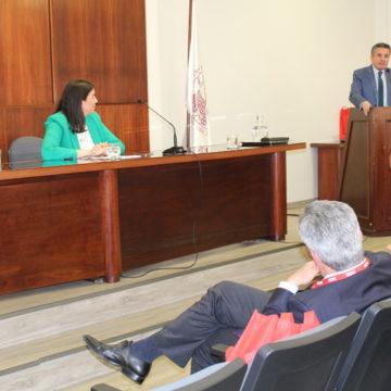 Académicos abordan la responsabilidad por acto ilícito en seminario de Derecho