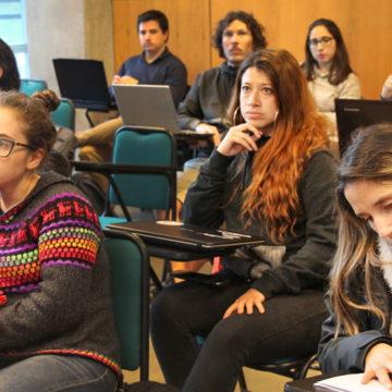 Alumnos de postgrado recibieron asesoría para postulación a fondos y becas externas