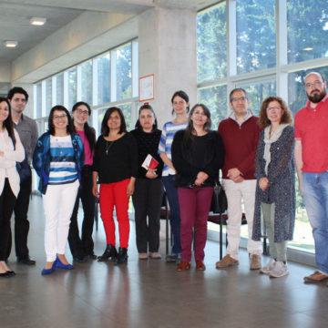 Catedrática de Barcelona expuso sobre escritura en investigación
