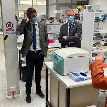 Ministro de Ciencia y Tecnología destacó reconversión de Laboratorio Covid UCSC