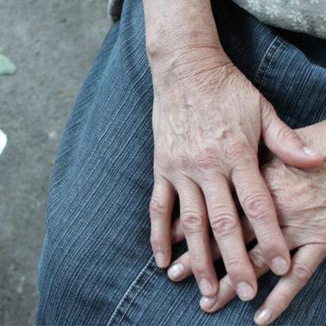 Violencia hacia personas mayores en pandemia: académica UCSC explica esta realidad