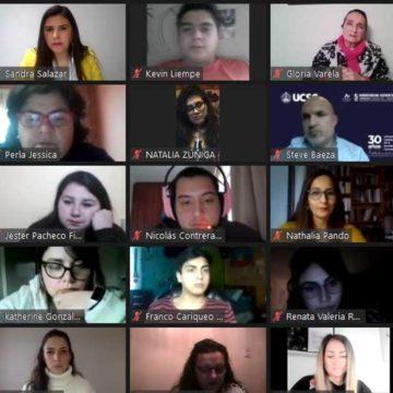 300 exalumnos y estudiantes UCSC participan de charla para potenciar habilidades blandas