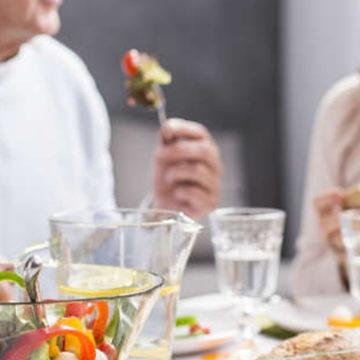 Alimentación saludable en personas mayores centró exposición de panel UCSC