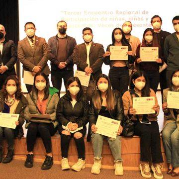 Estudiantes fueron reconocidos por labor de ayuda a personas en situación de vulnerabilidad